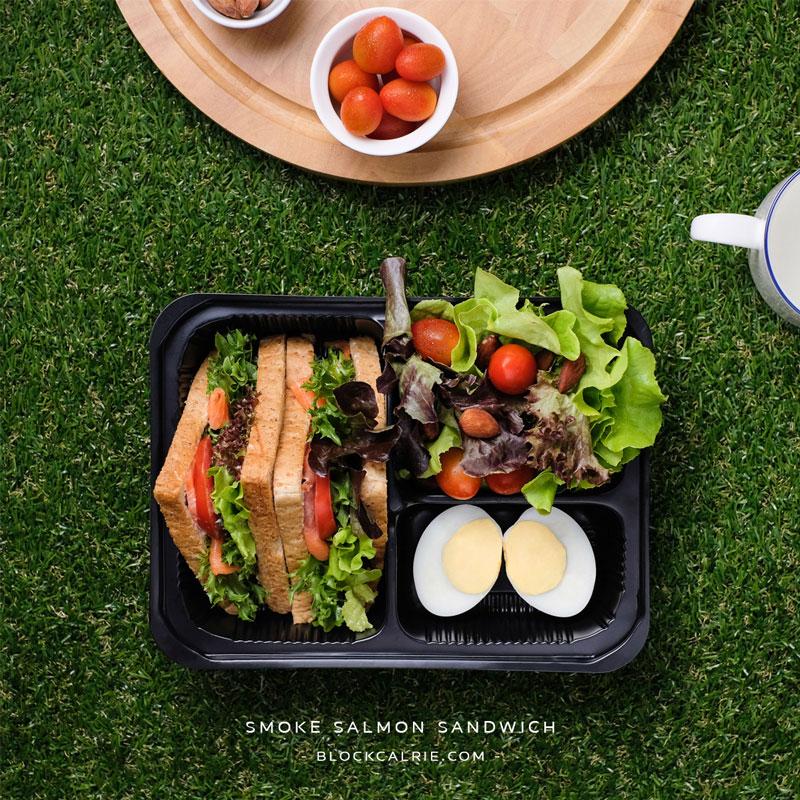 S14 แซนด์วิชแซลมอนรมควันครีมวาซาบิ(smoked salmon sandwich with wasabi sauce)